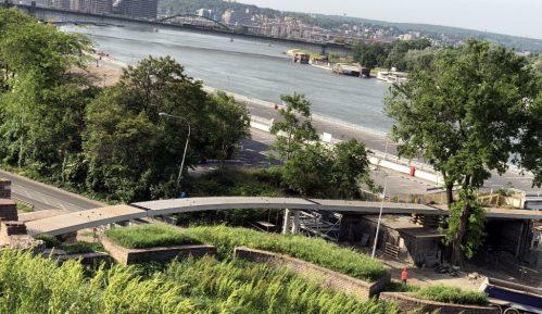 Postavljen čelični most preko Bulevara vojvode Bojovića 7
