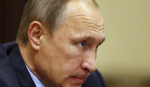 Jutarnji: Vučić dobio žuti karton od Putina 10