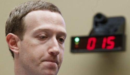 Zakerberg priznao propuste Fejsbuka 2016. tokom predsedničkih izbora u SAD 9
