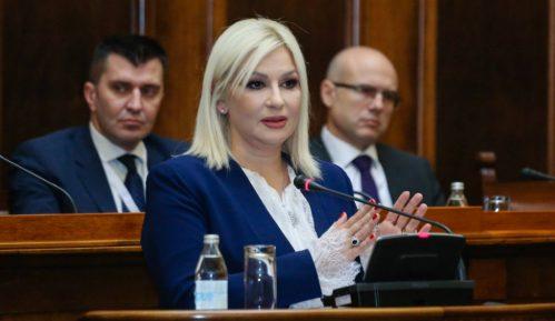 Mihajlović osudila uvrede upućene premijerki 4