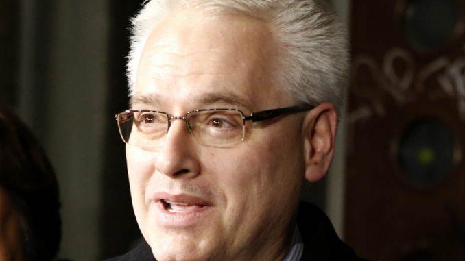 Josipović tražio od Grabar Kitarović da se uključi u REKOM 3