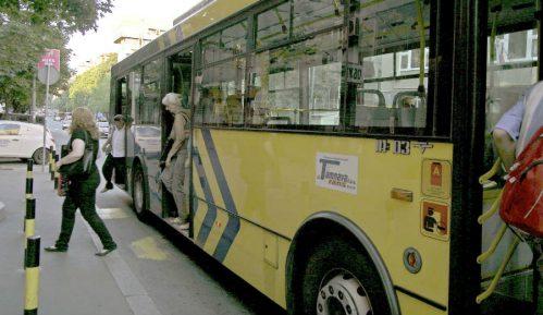 """Sloga: """"Još linija prevoza se daje privatnicima, GSP se sistemski uništava"""" 5"""