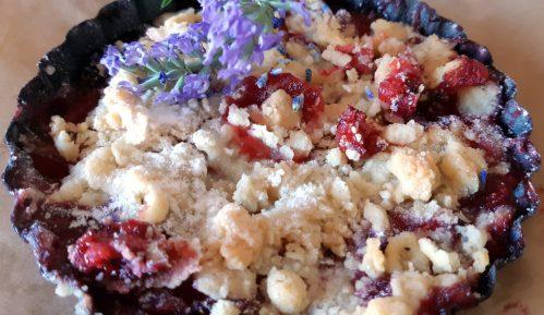 Krambl sa jagodama (Crumble) - recept 8