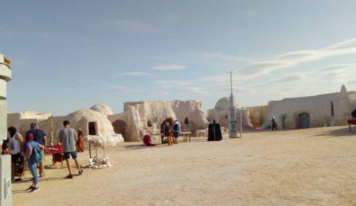 Tunis: Za ljubitelje lepinja i SF filmova 12