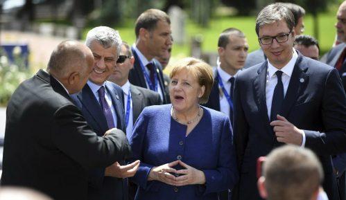 Vučić i Merkel: Ubrzati proces unapređenja dijaloga sa Prištinom 15