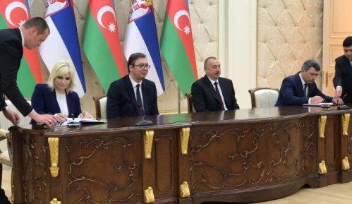 Vučić: Srbija želi da unapredi saradnju sa Azerbejdžanom 8