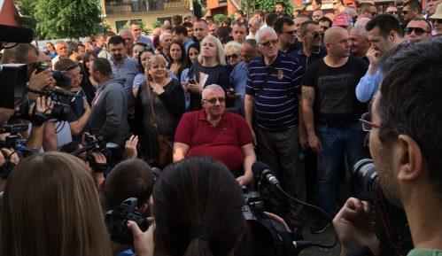 Policija sprečila skup u Hrtkovcima, Šešelj održao govor u Jarku (FOTO, VIDEO) 15