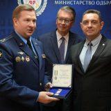 Vulin uručio izaslaniku odbrane Ruske Federacije Vojnu spomen medalju 12