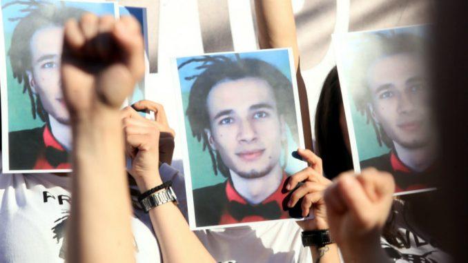 Građani večeras sa majkom ubijenog Davida Dragičevića u centru Banjaluke 1