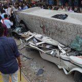 Pao nadvožnjak u Indiji - 18 stradalo, oko 50 ostalo zarobljeno 15