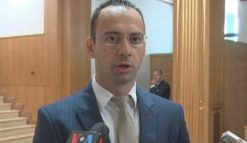 Simić: Konsultacije sa Vučićem oko vanrednih izbora za gradonačelnike na severu Kosova 11