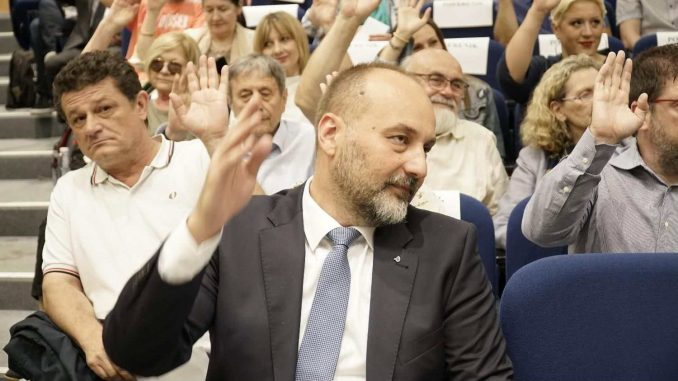 Ostavke u politici: Od Koštunice do Jankovića 4