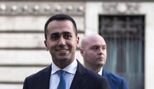 Lider italijanskog pokreta pet zvezdica Di Majo podneo ostavku 10