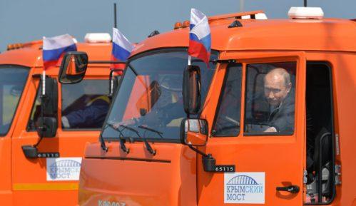 Putin:  Most spojio Rusiju i Krim 9