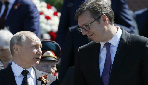 Putinu od Vučića na poklon šarplaninac Paša 5