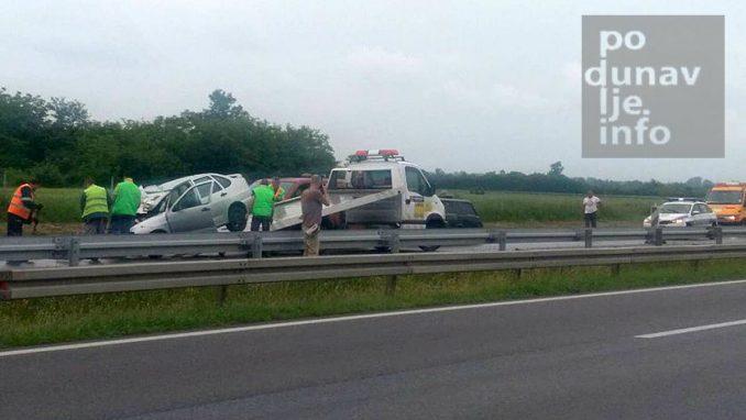 Teška saobraćajna nesreća, poginulo dete i vozač kombija 3