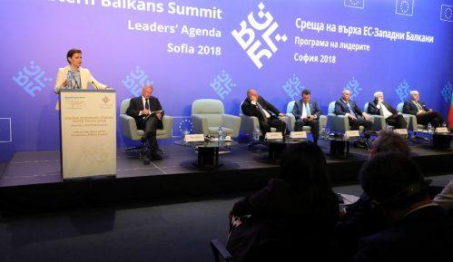 Brnabić: Politika i političari treba da slede biznis 9