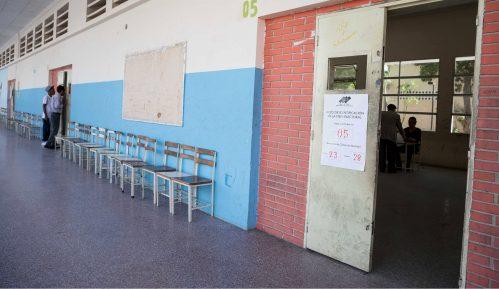 Slab odziv na biralištima u Venecueli 9