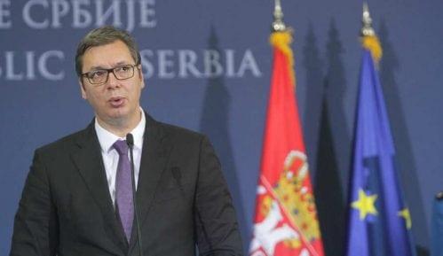 Predsednik Srbije brani svoju porodicu kršeći zakon 14