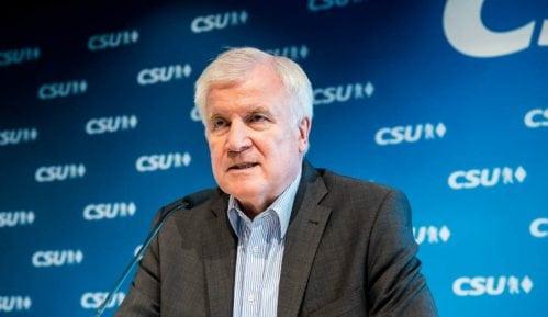 Horst Zehofer: Bavarac ljulja Vladu