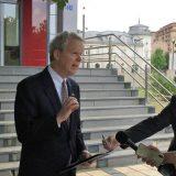 Američki ambasador za KiM: Uznemirujući napadi na Srbe 10
