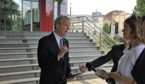 Američki ambasador za KiM: Uznemirujući napadi na Srbe 9