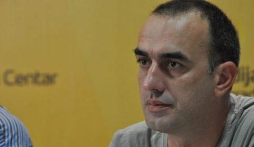 SZS i Građanska Vojvodina osudile pretnje novinaru Bete Dinku Gruhonjiću 15