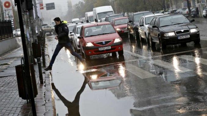 AMSS: Pojačan saobraćaj u Srbiji, posebno ka gradovima 2
