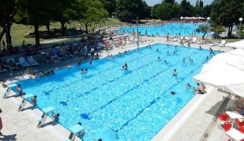 Počele kontrole vode u javnim bazenima 15