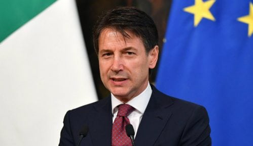 Italijanski premijer diskretno ugostio libijskog komandanta Haftara 8