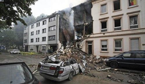 Četiri osobe poginule u bombaškom napadu u Kabulu 12