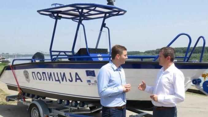 Grad Šabac poklonio čamac rečnoj policiji 1