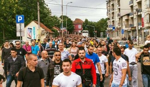 Protesti u Lazarevcu zbog hapšenja grupe mladića 13