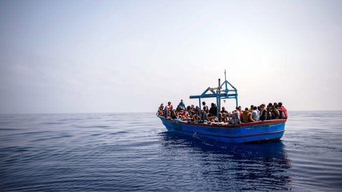 Čamac sa migrantima nasukao se u oluji koja je pogodila zapadnu obalu Grčke 2