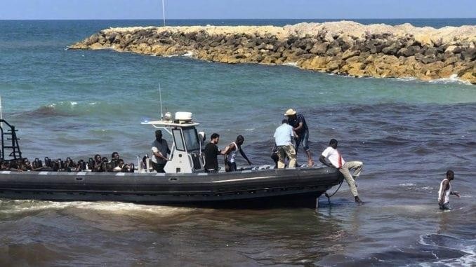 Italijanska obalska straža spasila 143 migranta 2