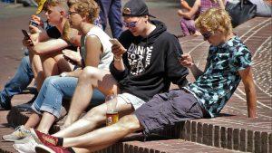 Čak 83,9 odsto srednjoškolaca prati vesti, najčešće preko interneta 5