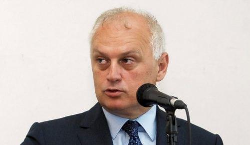 """Vesić posetio sedište kompanije """"Simens"""" i razgovarao o saradnji 7"""