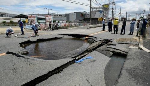 Najmanje tri žrtve zemljotresa u Japanu 8