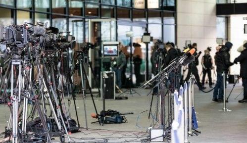 Lokalne kabadahije sve češće prete novinarima 9