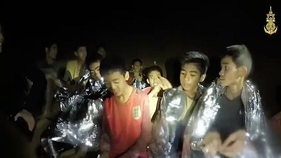 Slika tajladnskih dečaka iz pećine.
