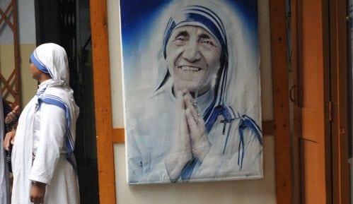 Svratišta Majke Tereze optužene za prodaju beba 11