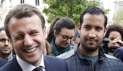 Kako je Makronov pomoćnik tukao učesnike majskih protesta u Parizu 7
