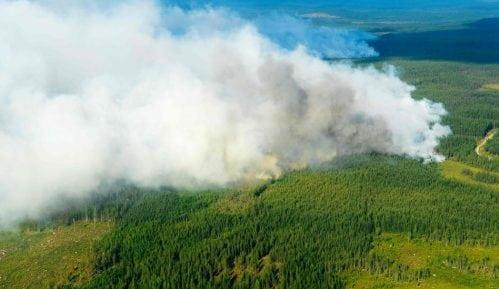 U slikama: Borba sa požarima u Švedskoj 11