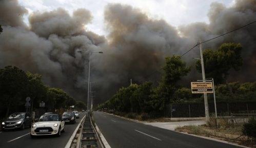 U slikama: požari progutali ceo region pokraj Atine 5