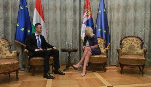 Sijerto: Ne sputavati Srbiju na evropskom putu 15