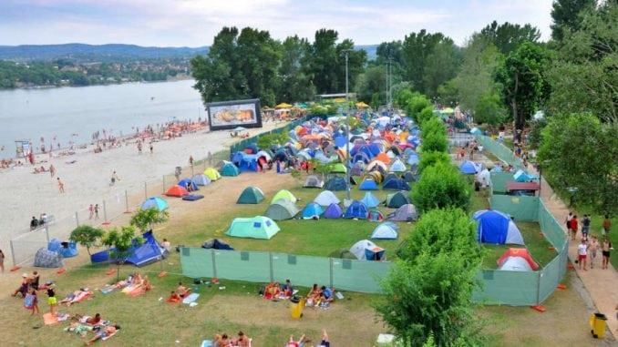 Osim rečnih plaža turistima na raspolaganju jezera i banje 1