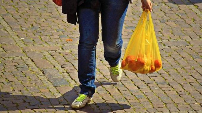 Svaki treći student podržava naplatu plastičnih kesa dva dinara 1