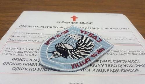 Padobranci potpisali 36 donorskih kartica 2