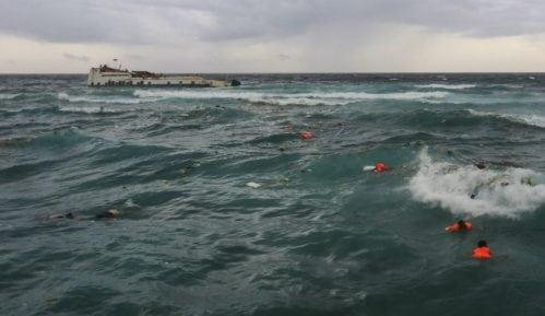 Indonezija: 24 stradalih u brodolomu 9