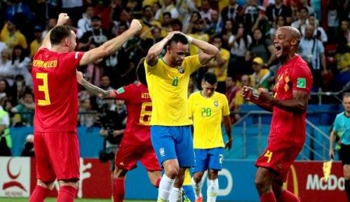 Navijači kamenovali autobus Brazila 1